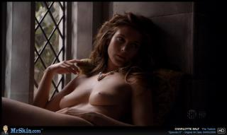 Charlotte Salt en Los Tudor Desnuda [1270x760] [71.98 kb]