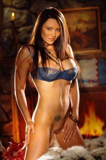 Aliya Wolf en Playboy [530x800] [74.28 kb]