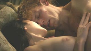 Hannah James en Outlander Desnuda [1920x1080] [237.68 kb]