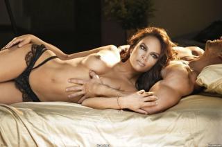 Fabiola Campomanes en Playboy Desnuda [2274x1513] [488.19 kb]