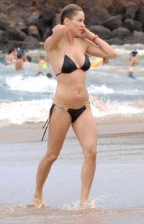 Jill Wagner en Bikini [1937x3000] [515.38 kb]