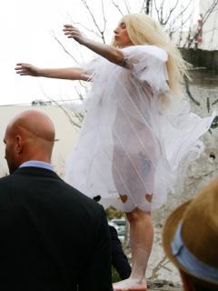 Lady Gaga [675x900] [102.73 kb]