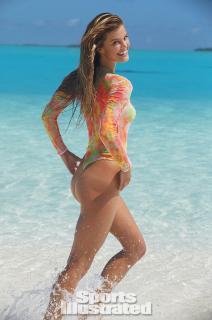 Nina Agdal en Si Swimsuit 2014 [797x1200] [102.86 kb]
