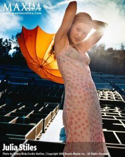 Julia Stiles [400x500] [41.43 kb]