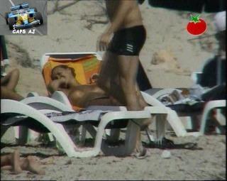 Vania Millán in Topless [720x576] [100.77 kb]