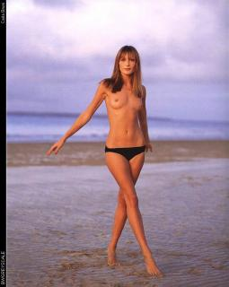 Carla Bruni Desnuda [705x882] [84.55 kb]