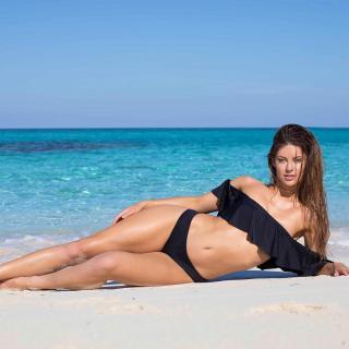 Hannah Stocking en Bikini [1080x1080] [127.14 kb]
