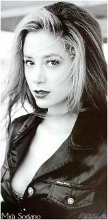 Mira Sorvino [375x757] [62.25 kb]