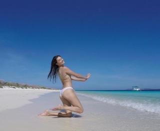 Jessica Clements en Bikini [1080x888] [89.12 kb]