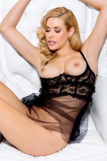 Kennedy Summers en Playboy Desnuda [800x1200] [207.36 kb]