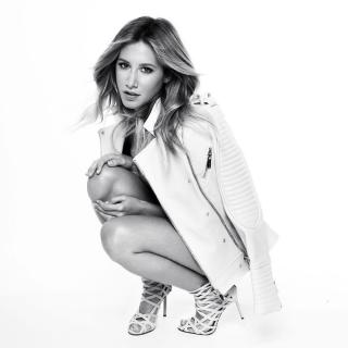 Ashley Tisdale [1000x1000] [96.46 kb]