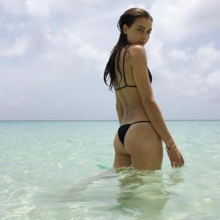 Jessica Clements en Bikini [1080x1080] [115.51 kb]