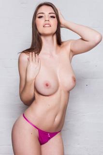 Rosie Danvers Desnuda [1000x1500] [289.92 kb]