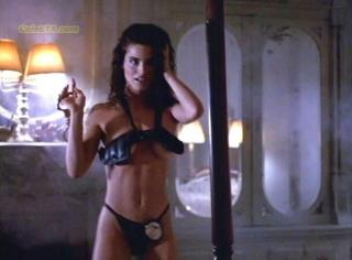 Betsy Russell [610x450] [28.3 kb]