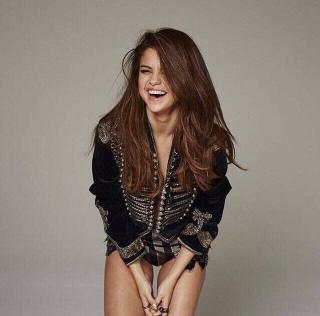 Selena Gomez en Marie Claire [640x632] [67.78 kb]