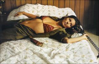 Shania Twain [1500x985] [226.39 kb]