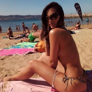 Paula Méndez en Bikini [700x700] [109.5 kb]