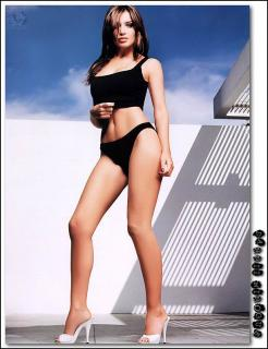 Dannii Minogue dans Maxim [612x794] [72.2 kb]