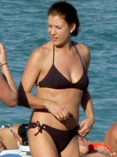 Kate Walsh en Bikini [900x1200] [136.27 kb]