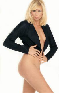 Peta Wilson en Playboy [700x1089] [54.67 kb]