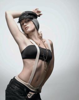 Gwen Stefani [1200x1510] [128.38 kb]