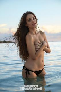 Alexa Ray Joel en Si Swimsuit 2017 [1280x1920] [242.97 kb]