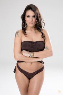 Lorena Castell en Bikini [980x1470] [89.66 kb]