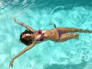 Silvia Alonso en Bikini [1080x809] [201.52 kb]