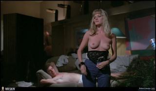 Barbara Crampton Desnuda [1940x1140] [207.96 kb]