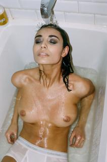 Melina DiMarco en Yume Magazine Desnuda [1500x2263] [698.17 kb]