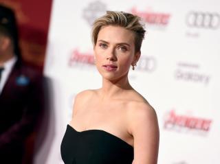 Scarlett Johansson [1600x1197] [137.44 kb]