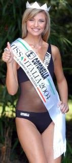 Cristina Chiabotto [902x2032] [180.13 kb]