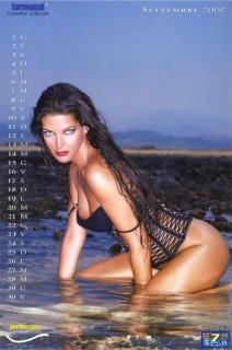 Alessia Merz en Calendario 2005 Desnuda [850x1281] [122.09 kb]