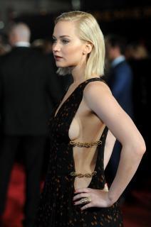 Jennifer Lawrence [2366x3556] [1182.88 kb]