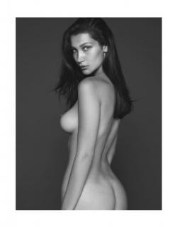 Bella Hadid en Vogue Desnuda [967x1250] [81.19 kb]