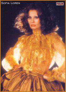 Sophia Loren [573x800] [73.52 kb]