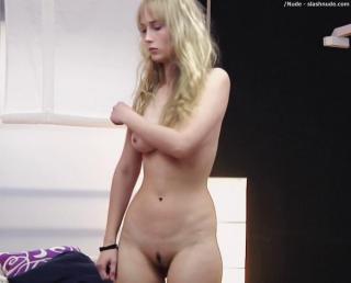 Ingrid García Jonsson en Hermosa Juventud Desnuda [1000x808] [56.54 kb]
