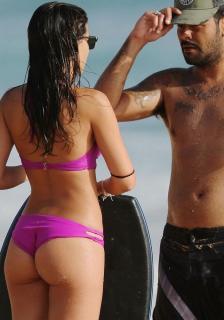 Paula Méndez en Bikini [700x1000] [124.52 kb]