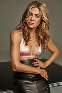 Jennifer Aniston [1500x2250] [405.15 kb]