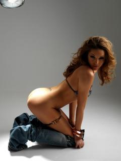 Triana Iglesias Desnuda [713x950] [42.04 kb]