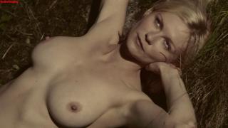 Kirsten Dunst dans Melancholia Nue [1446x816] [88.31 kb]