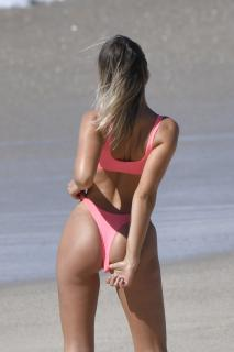 Kristina Mendonca en Bikini [1024x1537] [178.95 kb]