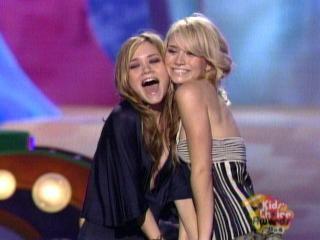 Mary-Kate y Ashley Olsen [640x480] [39.26 kb]