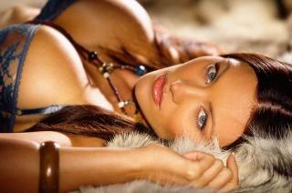 Aliya Wolf en Playboy [800x530] [70.23 kb]