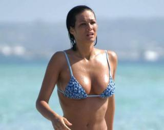 Manuela Arcuri en Bikini [504x400] [15.58 kb]