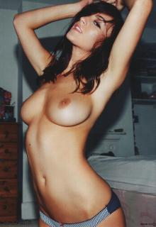 Rosie Jones [1444x2100] [405.54 kb]