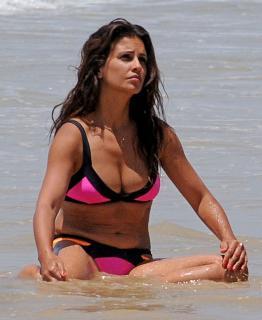 Mónica Cruz en Bikini [841x1024] [153.82 kb]