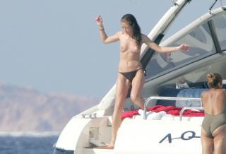 Rebecca Gayheart en Topless [2820x1923] [560.86 kb]