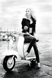 Claudia Schiffer [800x1200] [111.67 kb]