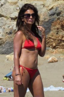 Mónica Cruz in Bikini [1000x1498] [188.5 kb]